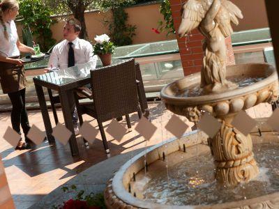 oc-hotel-rome-common-areas-004